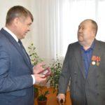 Ярковские ветераны получили юбилейные медали к 75-летию Победы