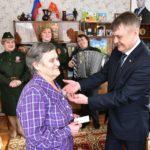 Глава района вручил медали жителям Покровского и Усальского поселений