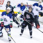 Хоккеисты посвятили победу в матче врачам Тюменской области