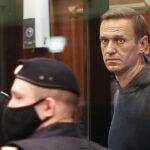 Суд по делу Навального продолжается