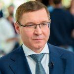 Полпред Президента Владимир Якушев поздравил медицинских работников с профессиональным праздником.